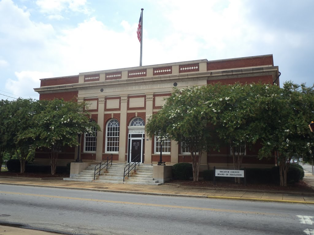 Decatur County Board of Education, Баинбридж