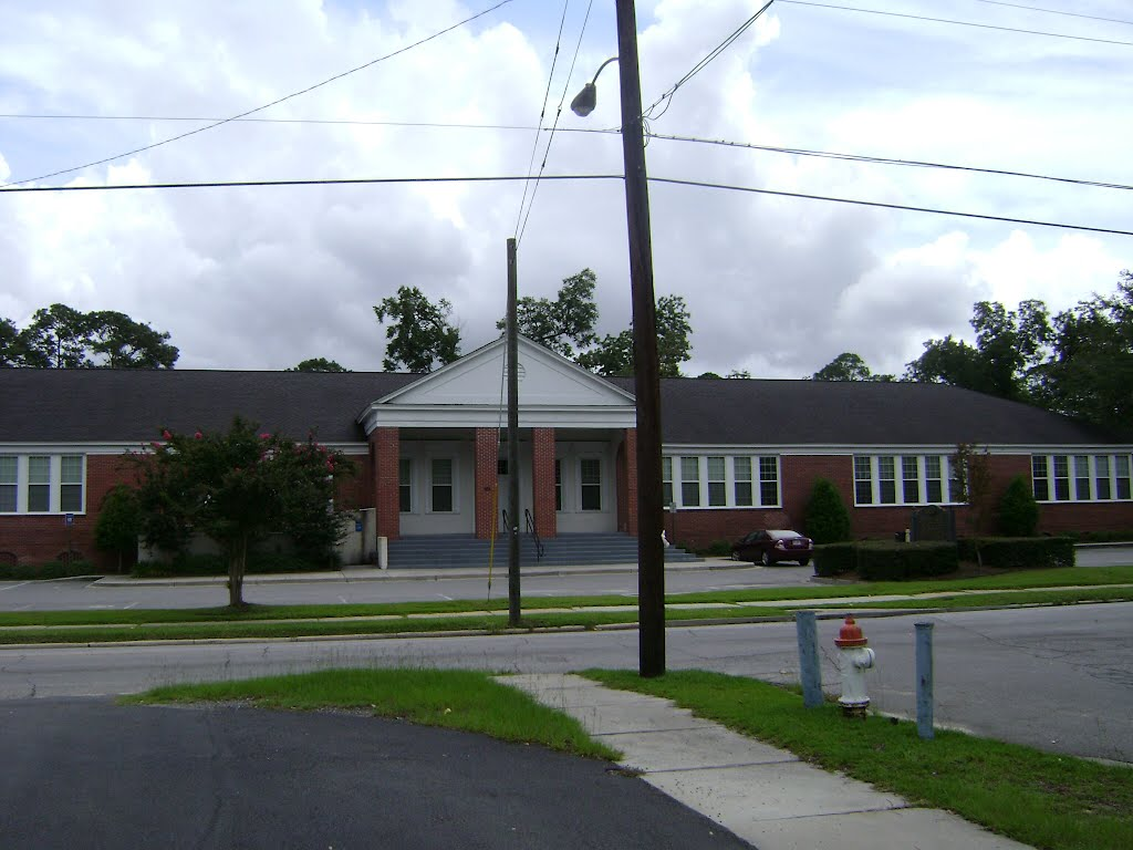 Lowndes County Social Services, Валдоста