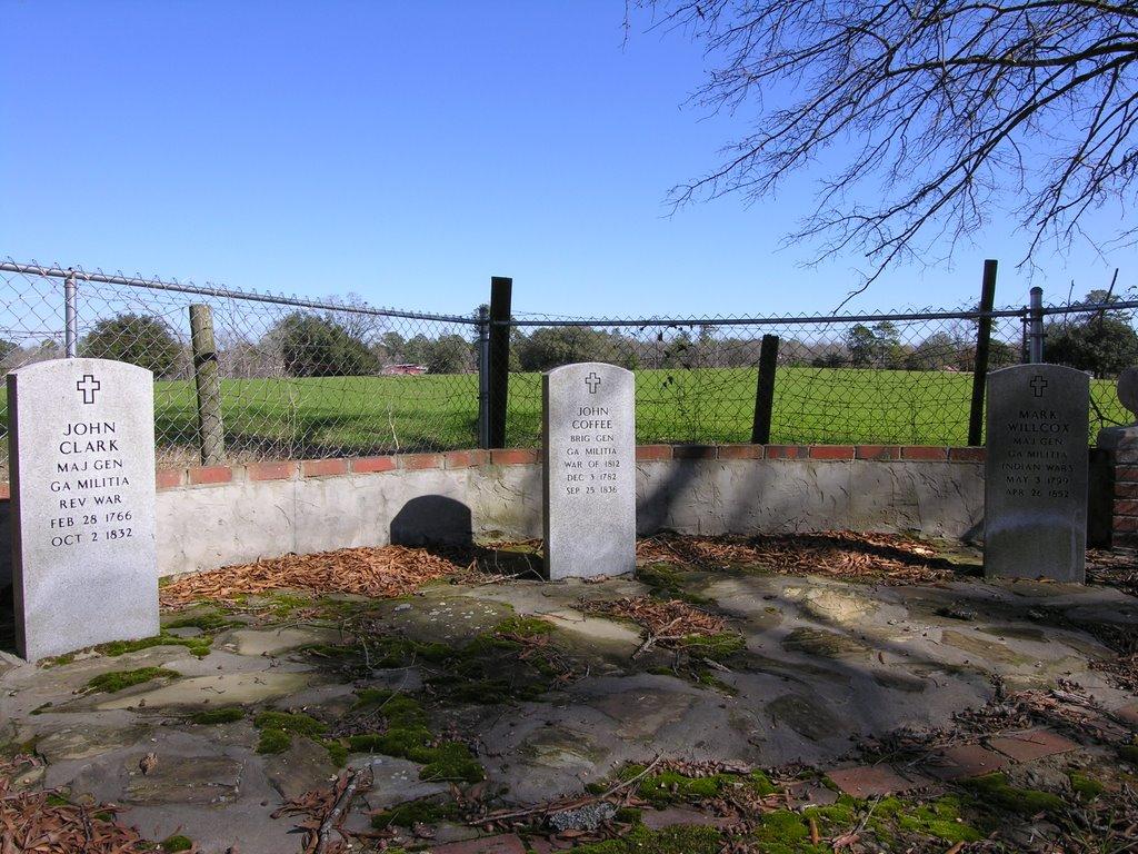 Markers for Gen. John Clark, Gen. John Coffee, and Gen. Mark Wilcox. Jacksonville Cemetery, Варнер-Робинс