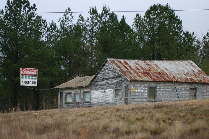 The Apollo Inn ~  Abandoned., Вест Поинт