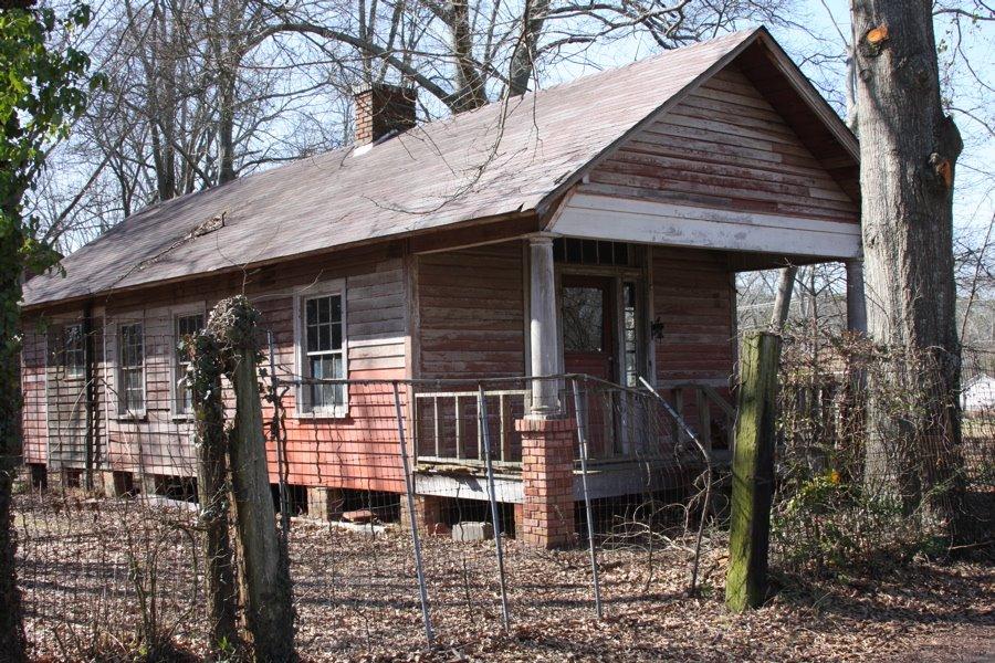 Old abandoned shotgun house., Вест Поинт
