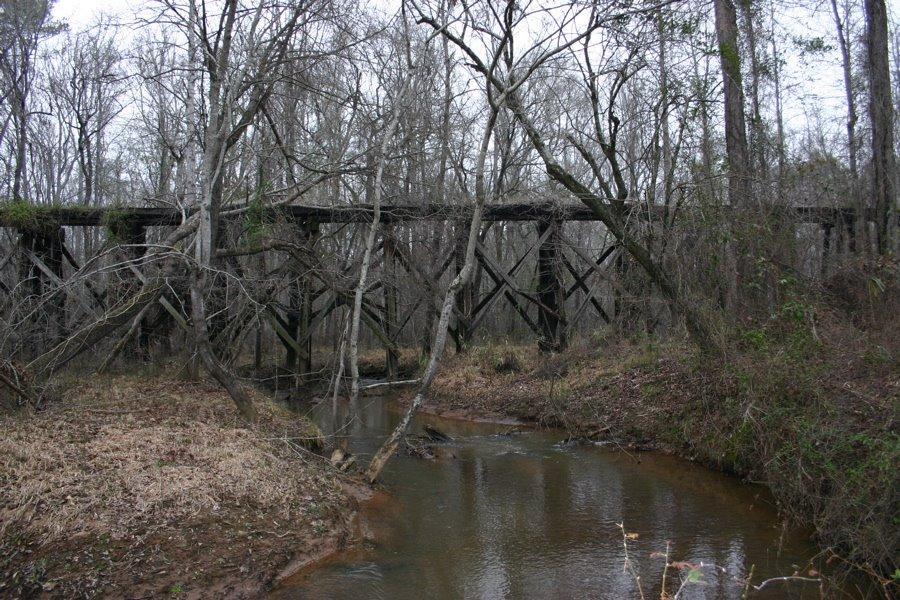 Abandoned old trestle deep in the woods., Вестсайд