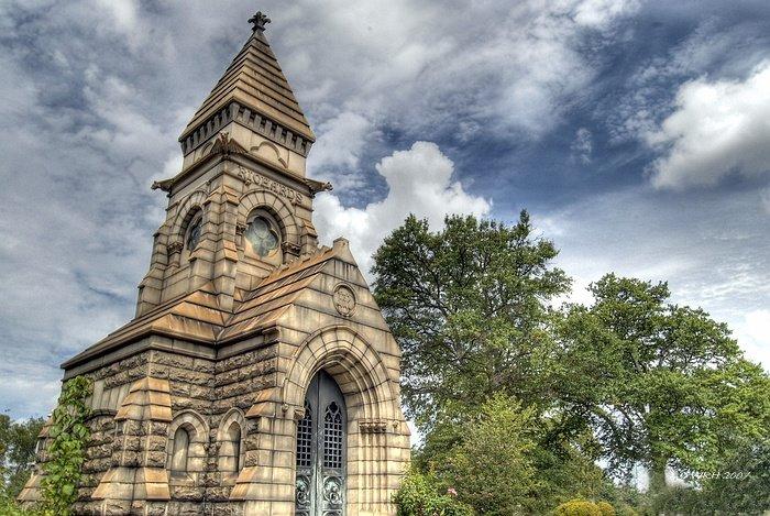 Oakland Crypt, Грешам Парк