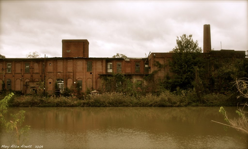 The old Atlantic Cotton Mill, Моултри