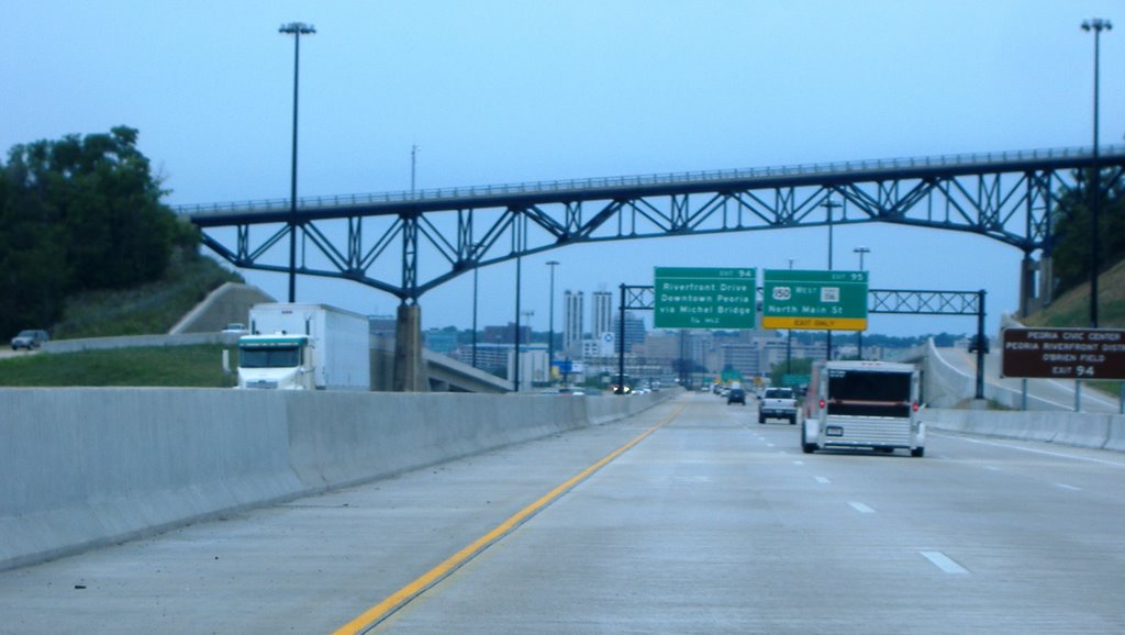Heading into Peoria on the Interstate, Кантон