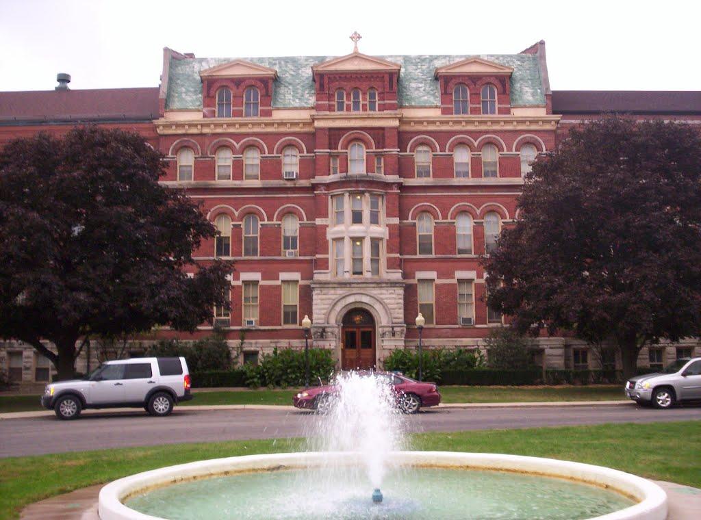 St. Bede Academy, Стандард