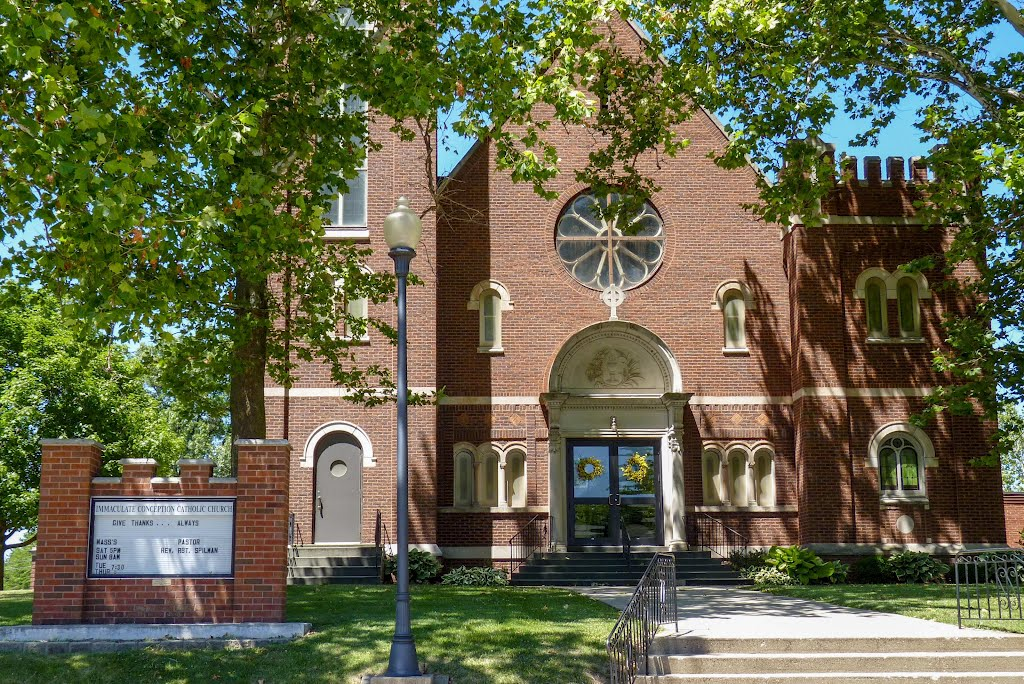 Immaculate Conception Catholic Church, Стандард