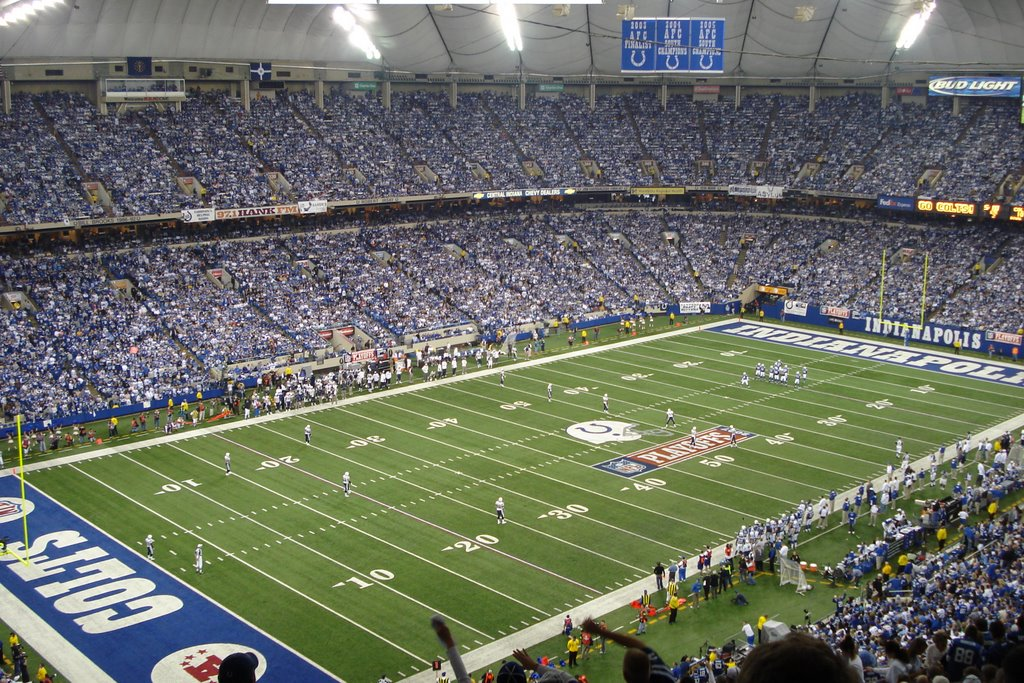 During the LAST Colts football game in the RCA Dome, Индианаполис