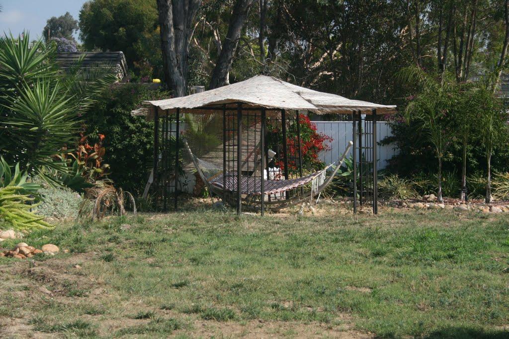 Gazebo and hammock, Ла-Меса