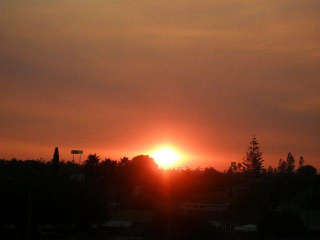 Atardecer después de los incendios 2007, Ла-Меса
