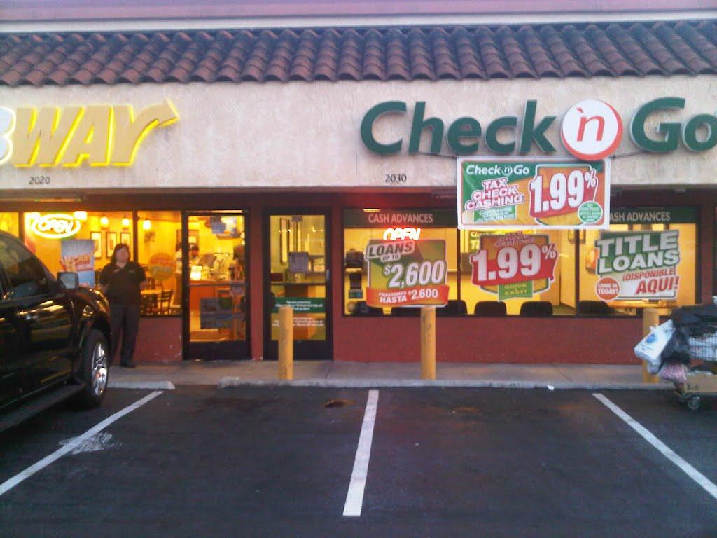 Title Loans at Check n Go, 14557 East Telegraph Rd., La Mirada, CA, Ла-Мирада