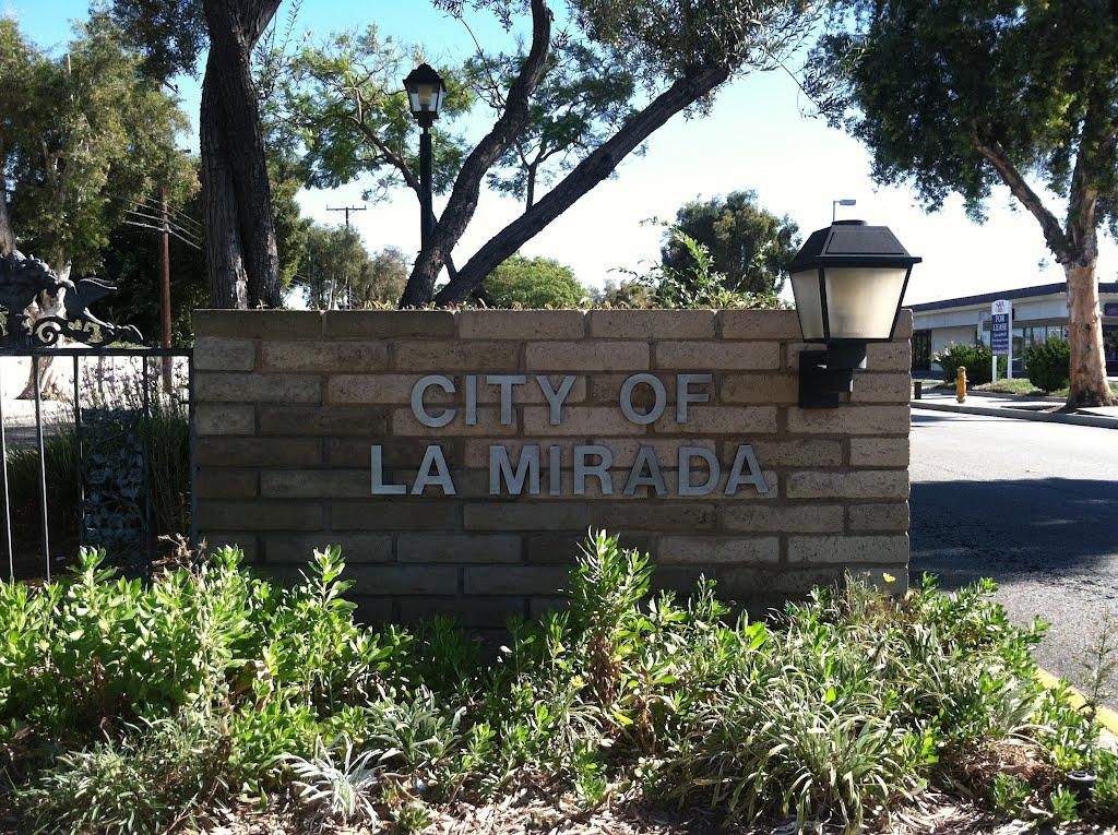 La Mirada City Sign, Ла-Мирада