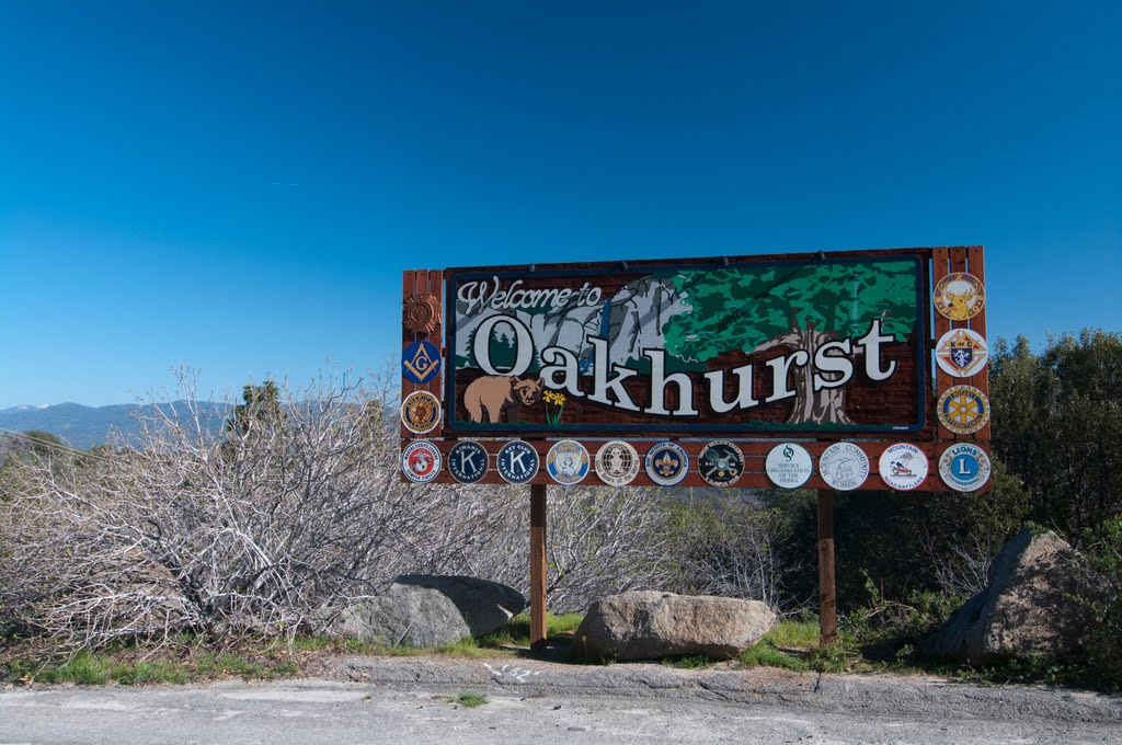 Welcome to Oakhurst, CA, 3/2011, Ла-Пальма