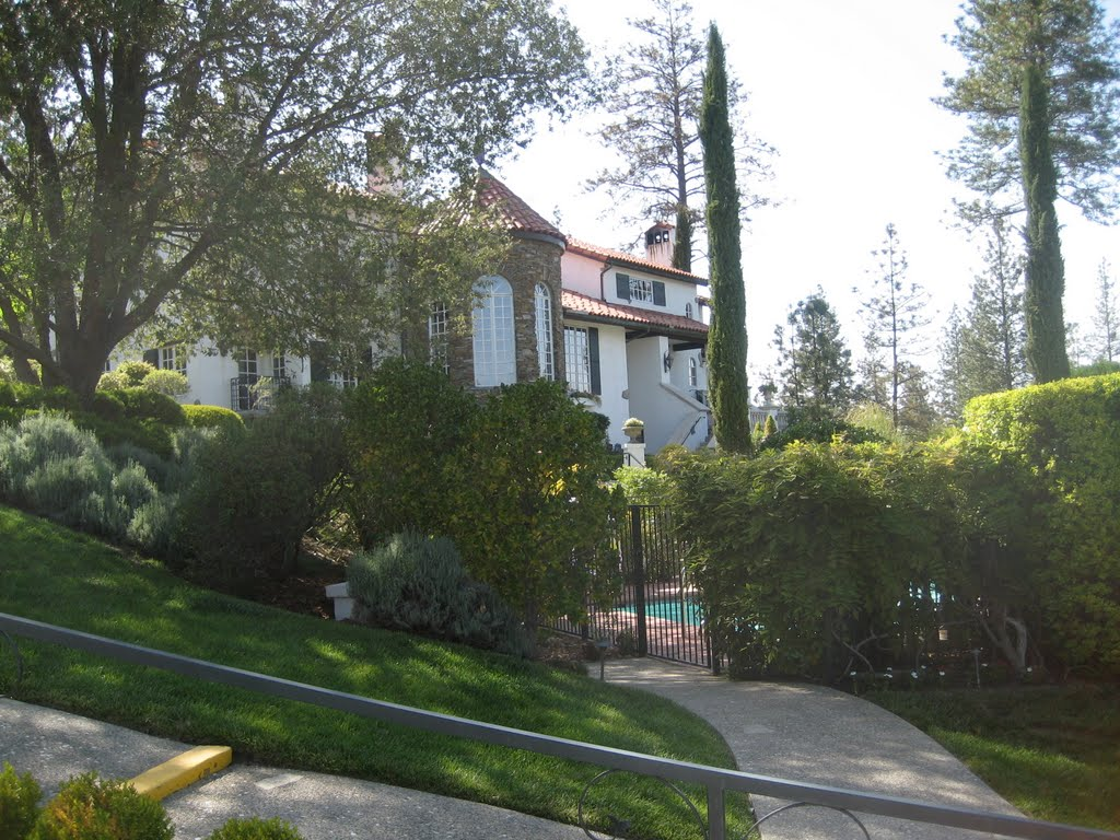 Ernas Elderberry House, Миллбре
