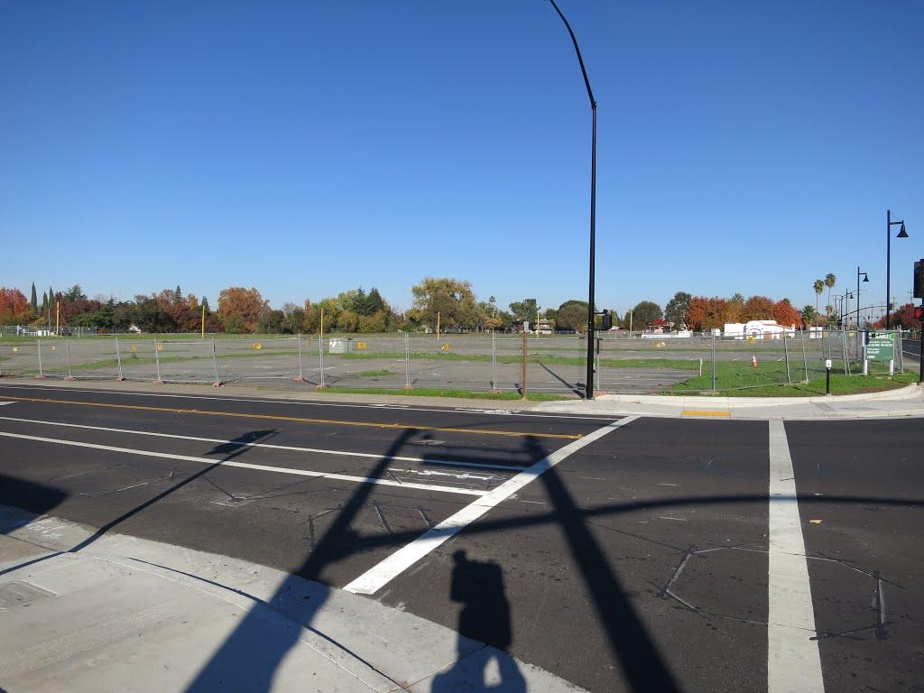 Empty lot (looking east/northeast), Ранчо-Кордова