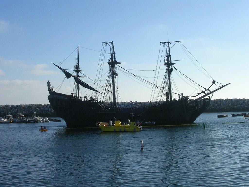 The Black Pearl at Redondo Beach., Редондо-Бич