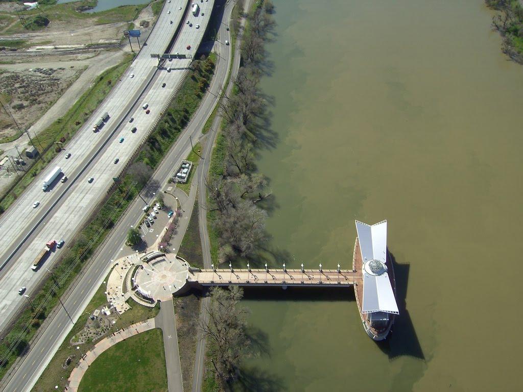 Sacramento Water Intake Structure on the Sacramento River, Сакраменто