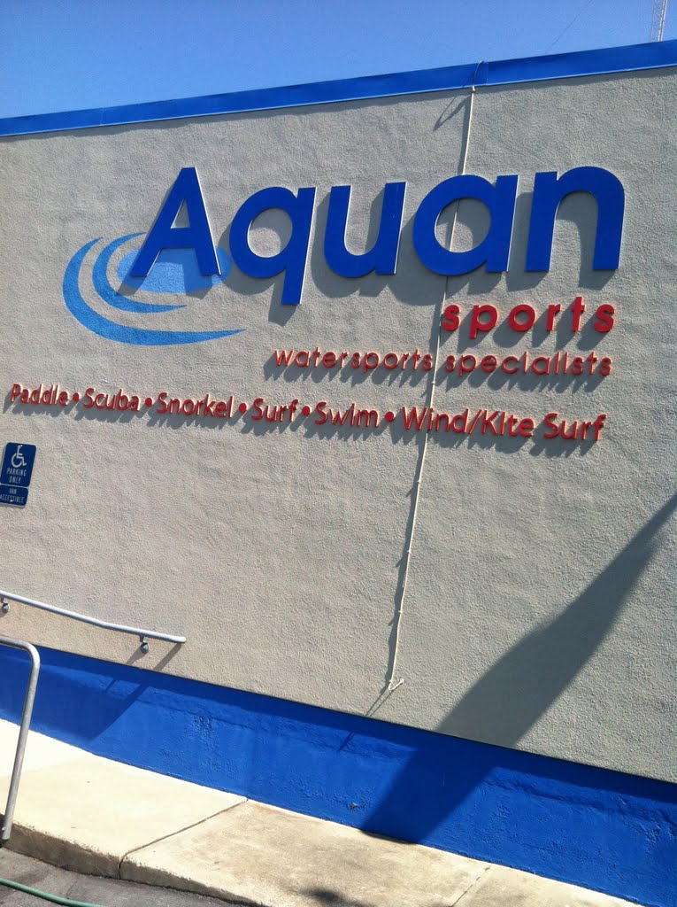 Aquan sports, 840 Brittan Ave., Сан-Карлос
