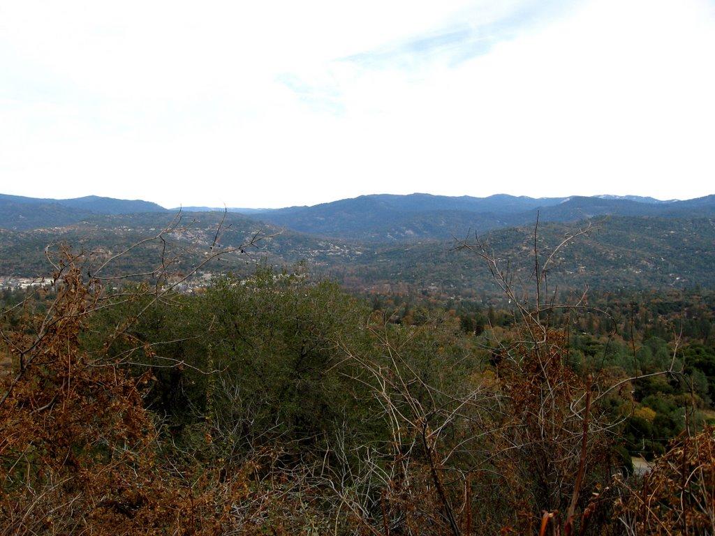 Looking down on Oakhurst, Сан-Линдро