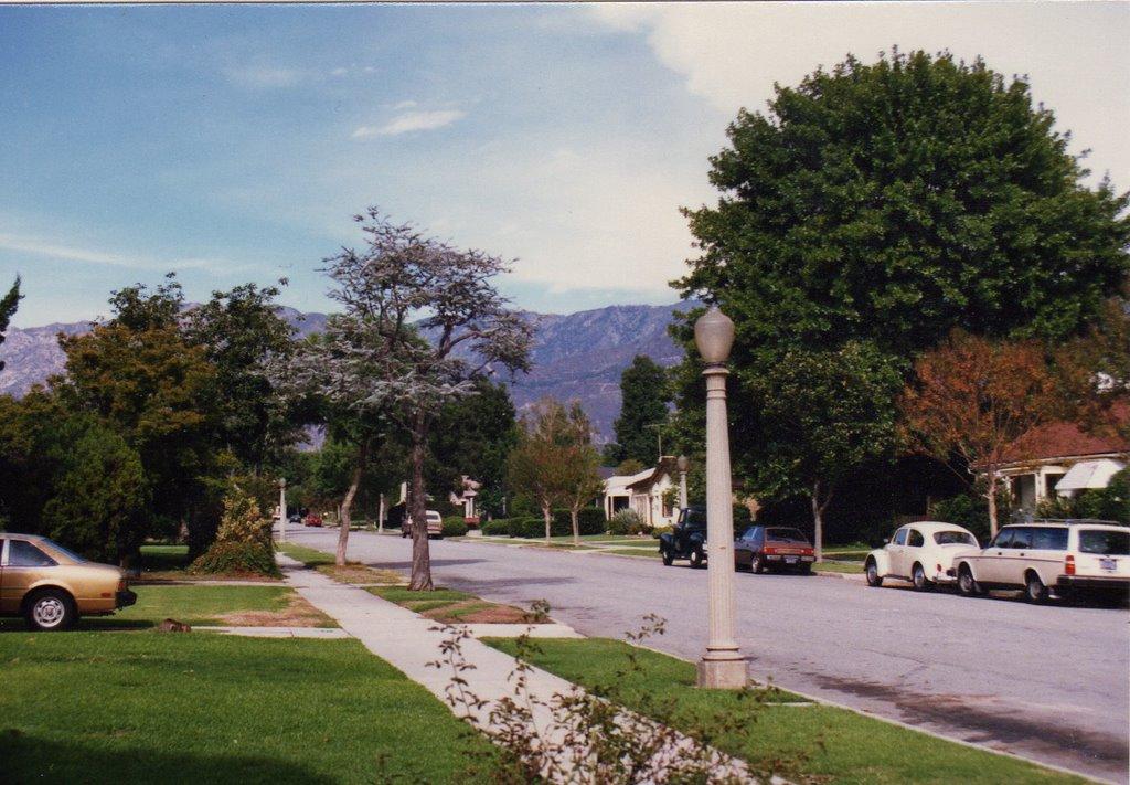 Pasadena, Bonita Ave, Сан-Марино