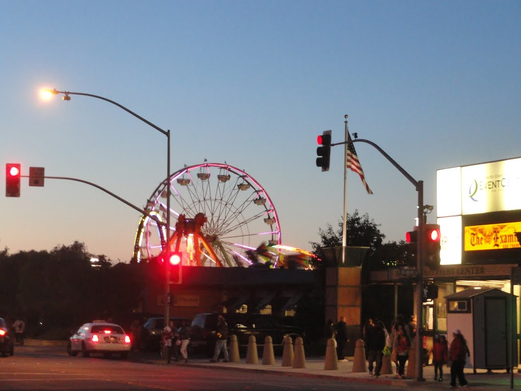 San Mateo fair in lights, Сан-Матео