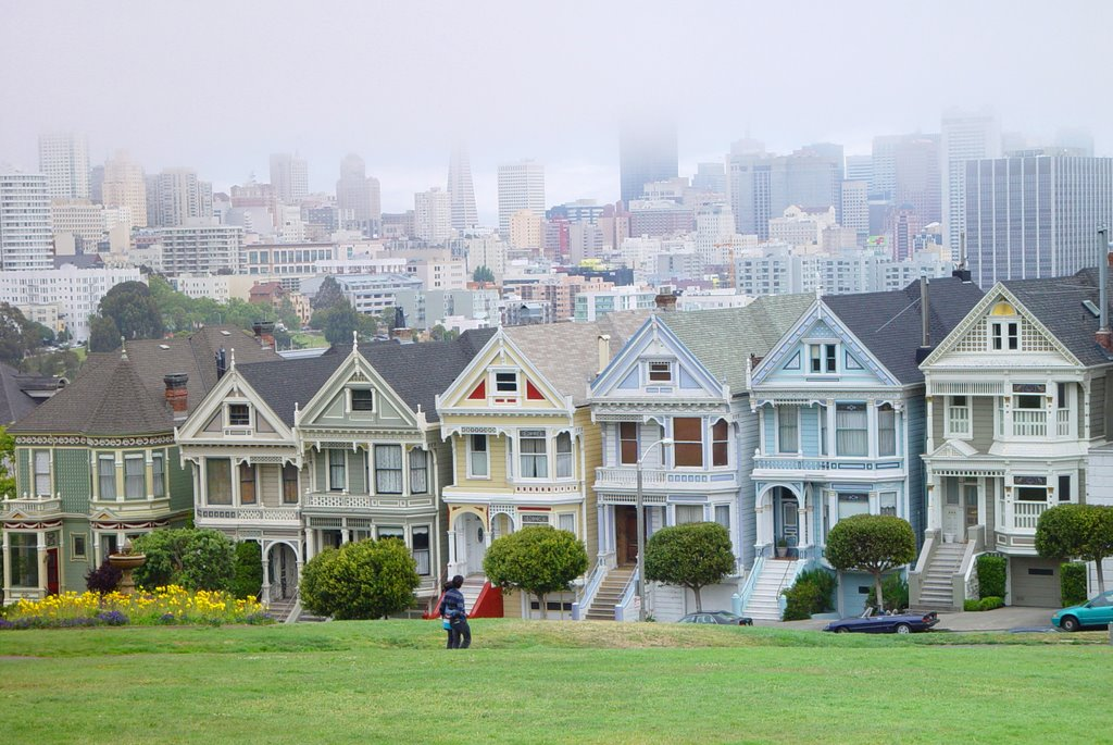 the six sisters with city skyline beyond, Alamo Square, SF (6-2008) 1, Сан-Франциско