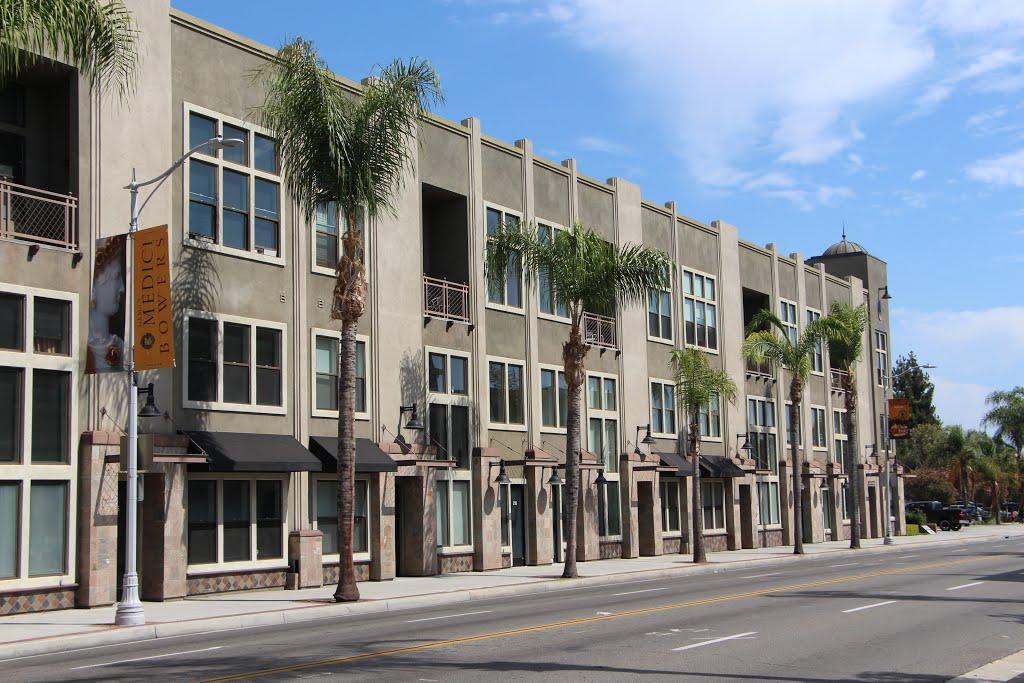 East Village Lofts, Санта-Ана
