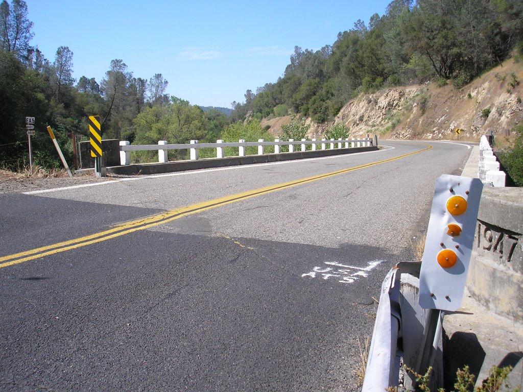 bridge on road 200 over finegold creek, Санта-Круз