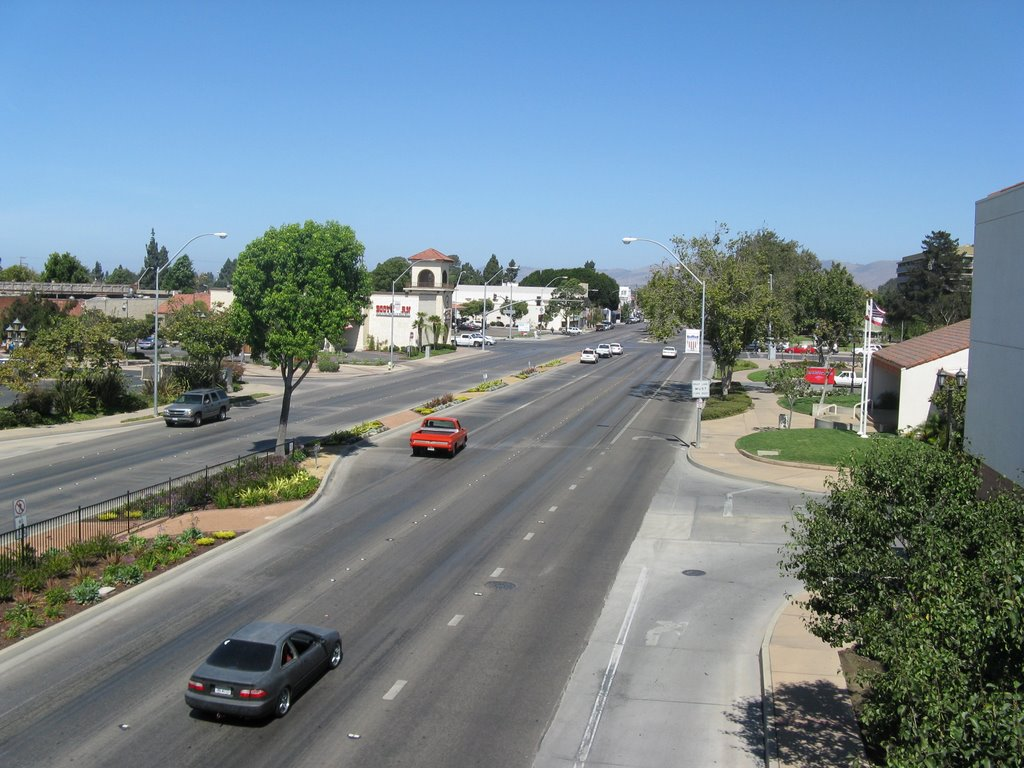 Broadway Ave., Санта-Мария