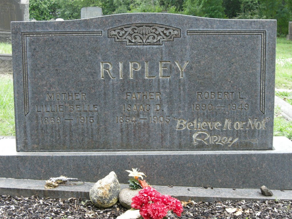 Grave of Robert L Ripley - Believe It or Not - photo taken May 2009, Санта-Роза