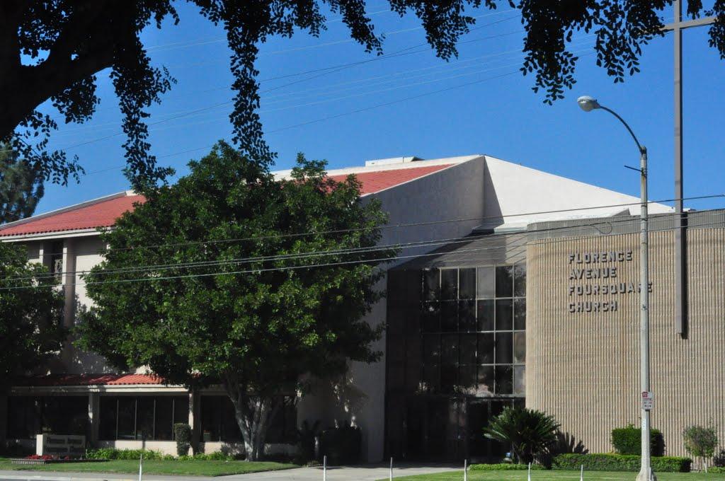 Florence Avenue Foursquare Church, Санта-Фе-Спрингс