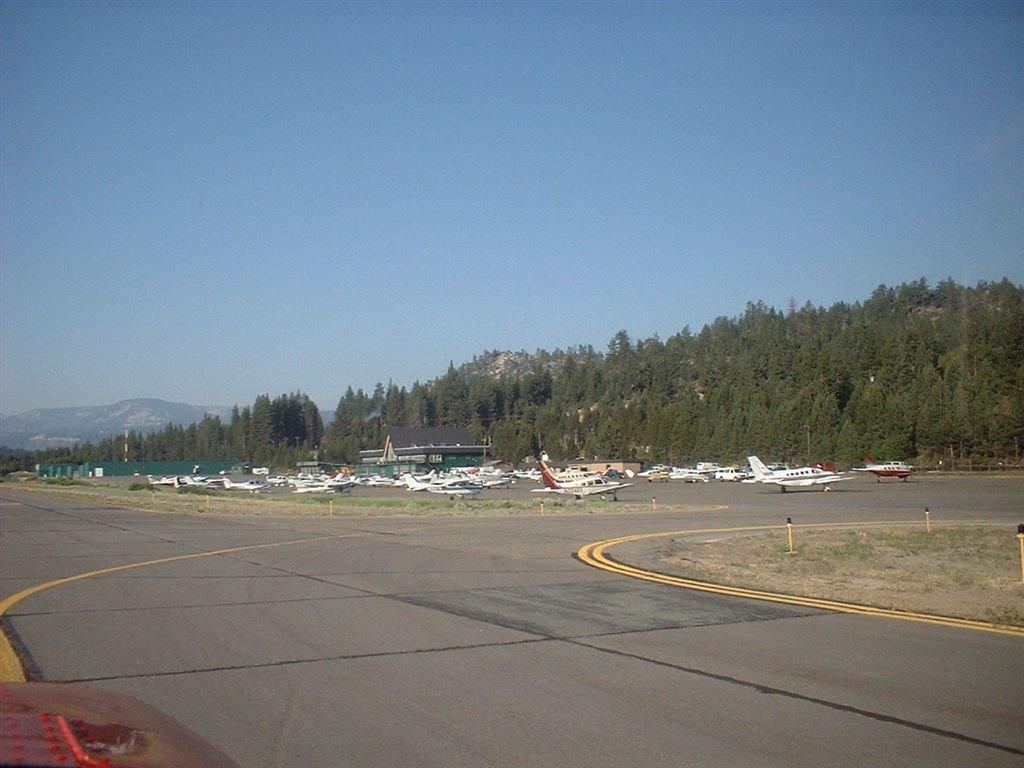 South Lake Tahoe Airport KTVL, Саут-Лейк-Тахо