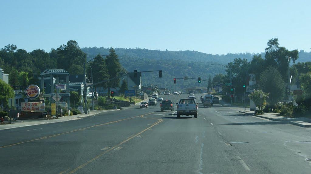 Highway in Oakhurst, Селма
