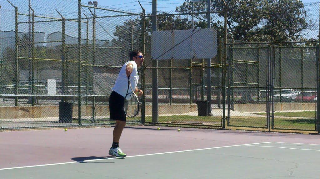 Tennis Teacher Artesia CA, Серритос