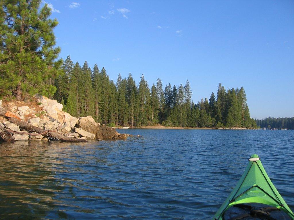 Bass Lake with Kayak, Спринг-Вэлли