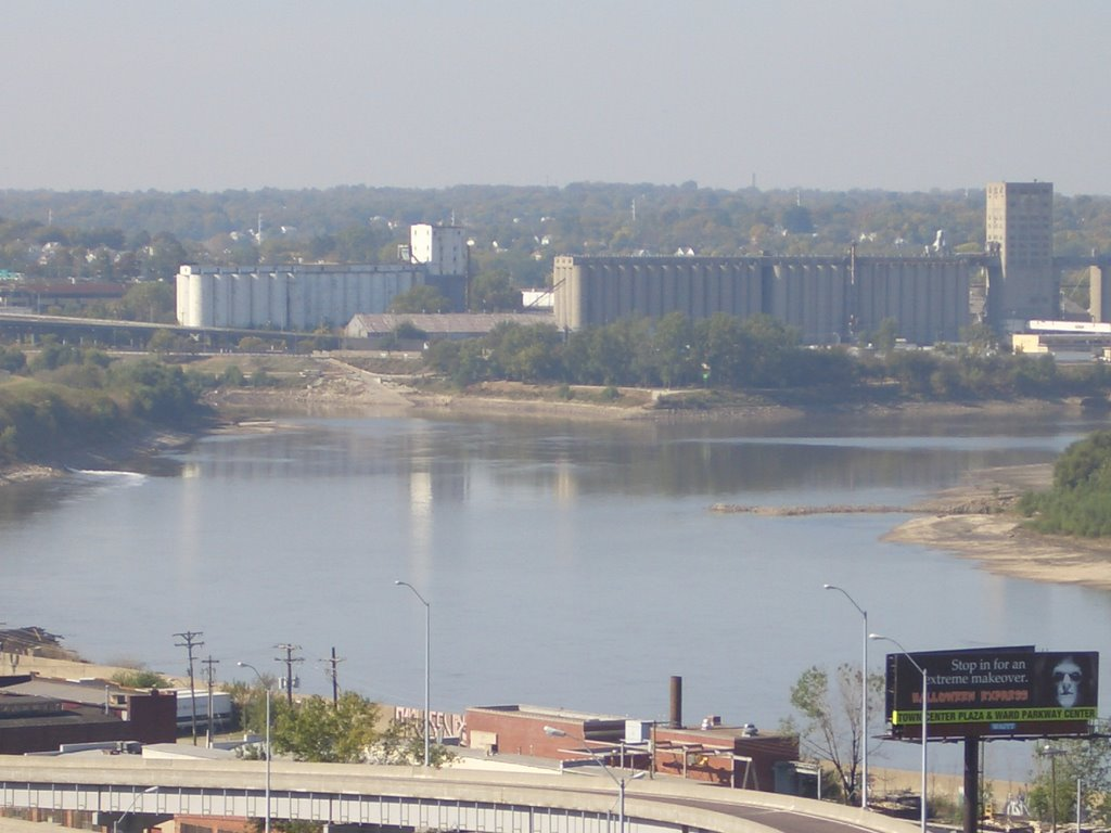 Kaw Point, Kansas City, KS (point where Kansas river flows into Missouri river) October 2005, Taken from Case Park, Kansas City,MO, Винфилд
