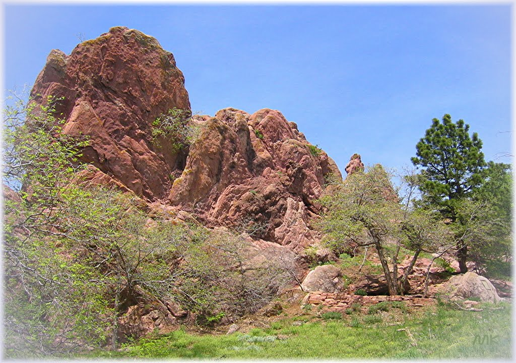 Red rocks, green trees, blue sky, Боулдер