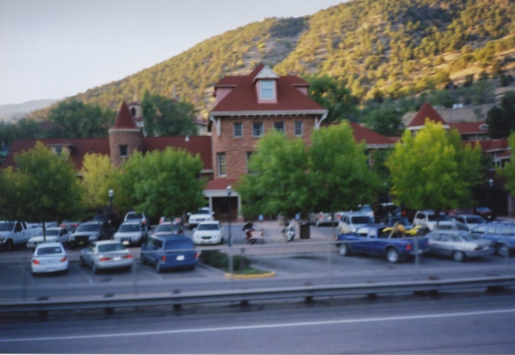 glenwood springs hispanic singles Figure 10 shows the hispanic or latino population of the area with glenwood springs shows it has 289% people who are hispanic or latino which is the 3d most of all other places in the area figure 11 is the ratio of the population of men to women and shows total male population is only about 44% larger than total female population.