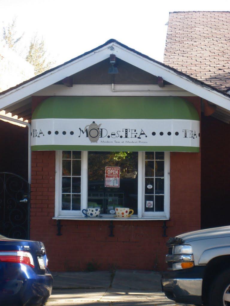 for tea in Tennyson Street neighborhood, Лейксайд