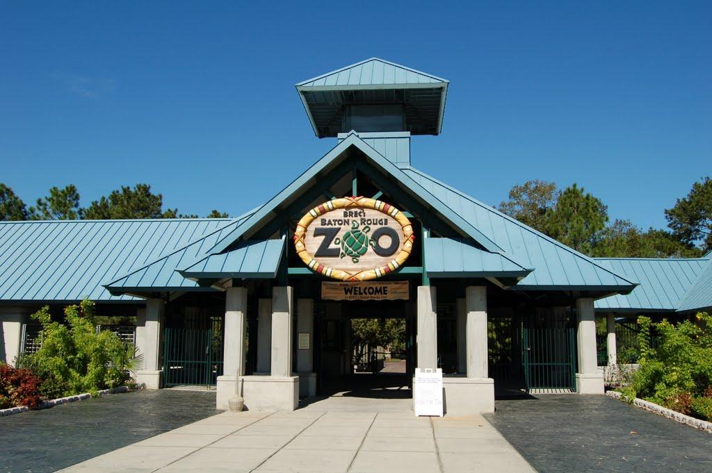 Baton Rouge Zoo entrance, Бейкер