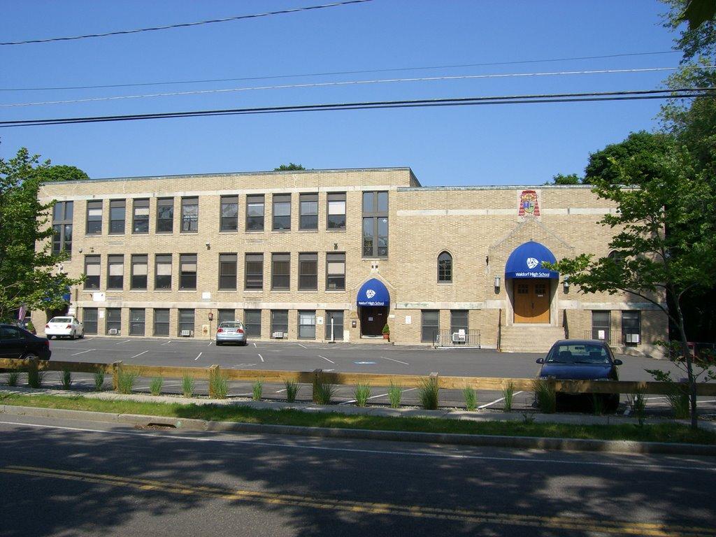 Waldorf High School, Белмонт