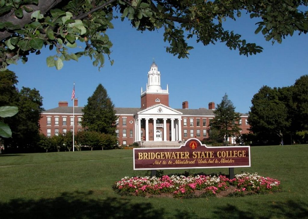 bridgewater state college application essay Compare colleges: bridgewater state university ($15,043 usd out-of-state, 807% acceptance rate) vs university of new hampshire-main campus ($30,256 usd out-of-state, 786% acceptance rate.