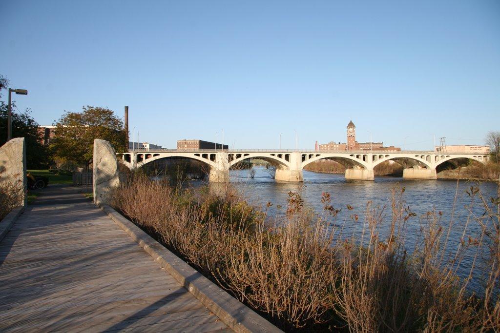 Joshep W. Casey Bridge, Лоуренс