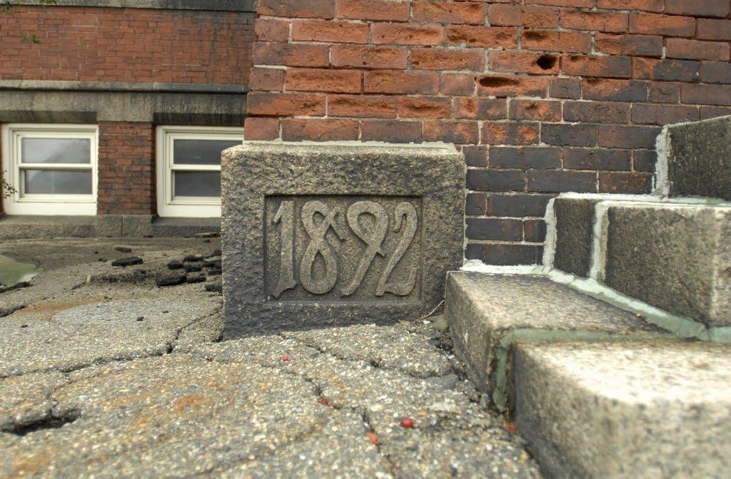 Former Longfellow School (Now Rollins Elementary), Lawrence, MA, Лоуренс