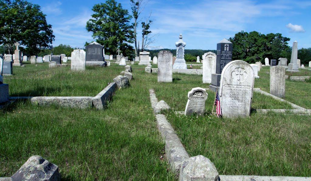 Birmingham Gravestone, St. Marys Cemetery, Milford, MA, Метуэн