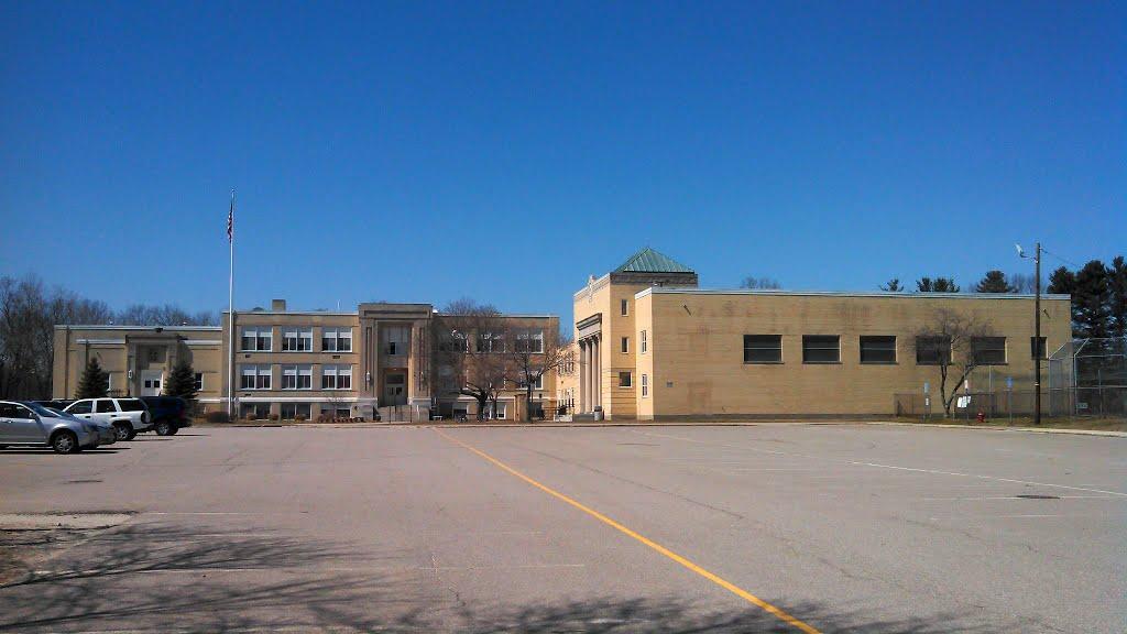 McCloskey Middle School (Old High School), Метуэн