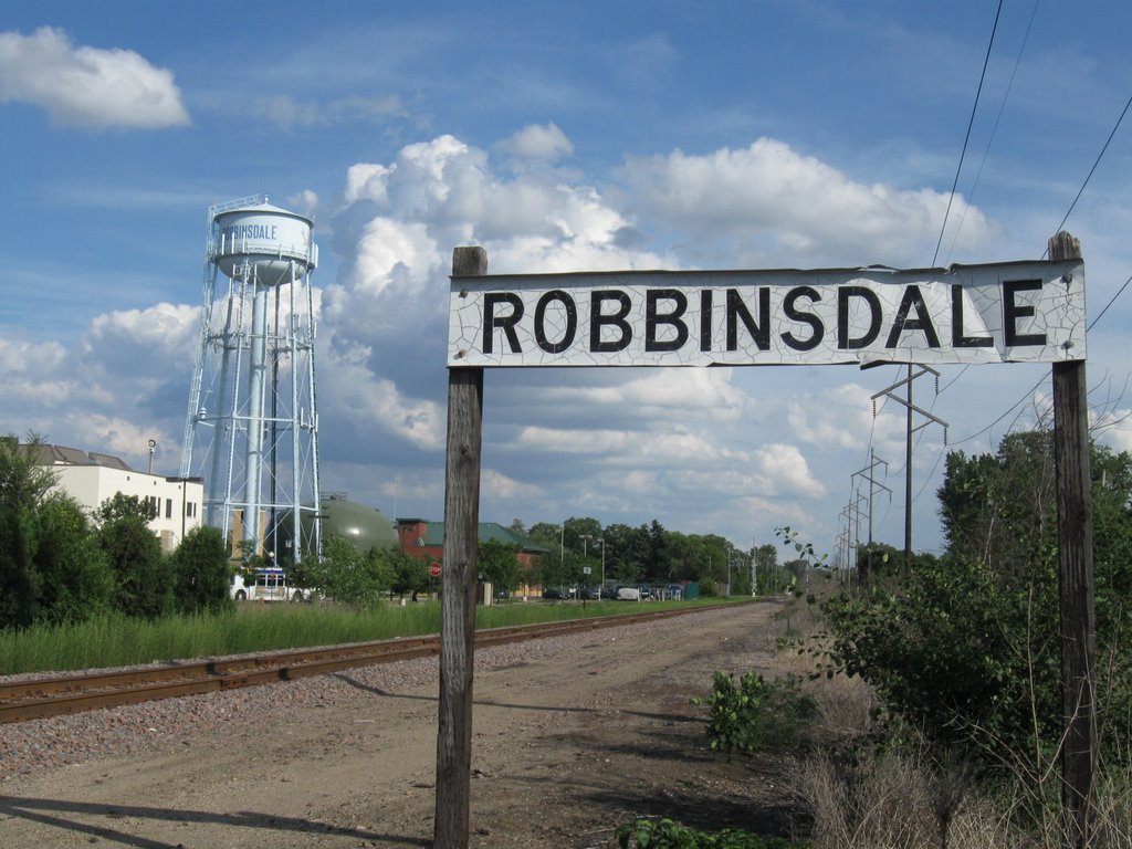 Robinsdale Watertower and Rail 2009, Кристал