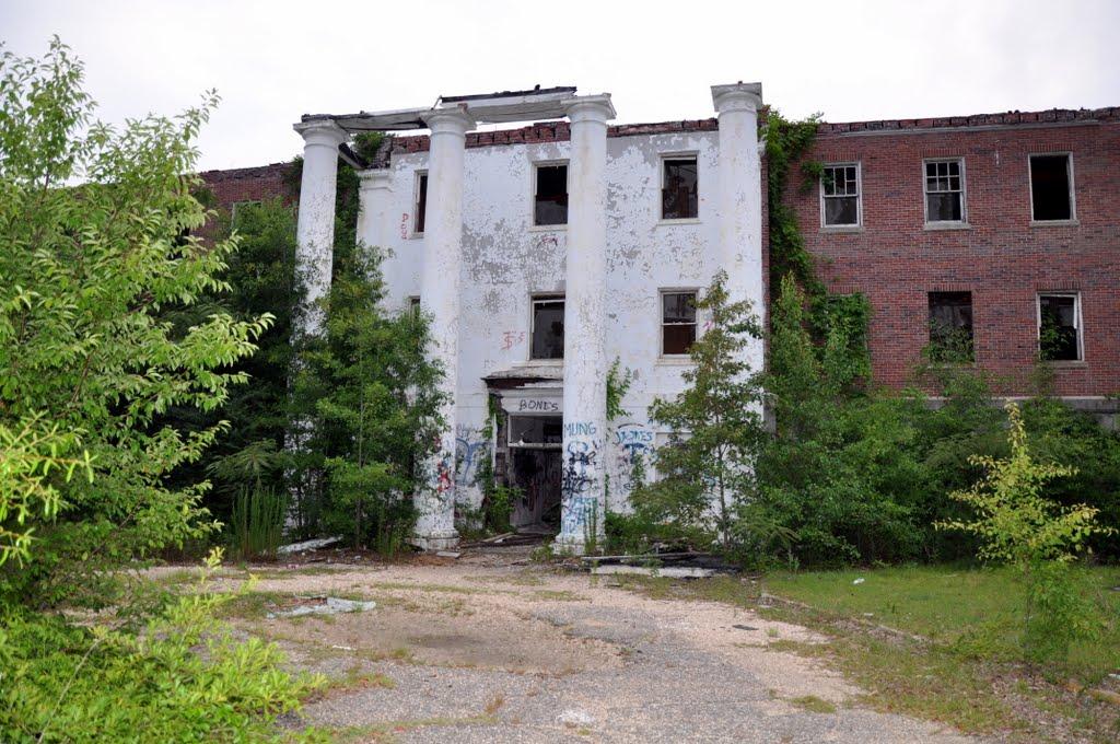 "Jemison Building aka ""Old Bryce"" near Tuscaloosa, Каледониа"