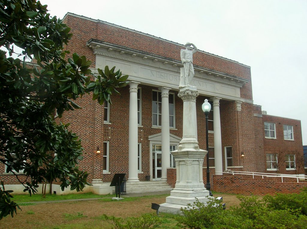 Neshoba County Courthouse & Confederate Monument, Philadelphia, Mississippi, Сумралл