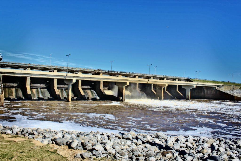 Barnett Reservoir Spillway, Сумралл